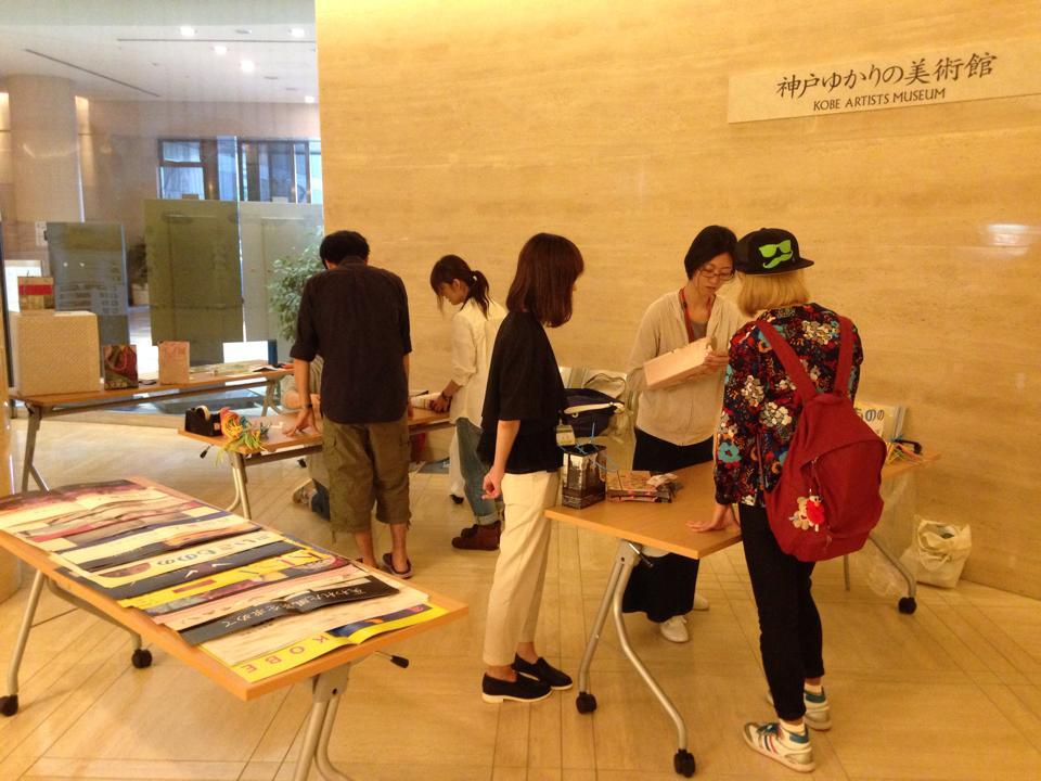 過去のポスターをエコバッグにリユース♪@神戸ゆかりの美術館
